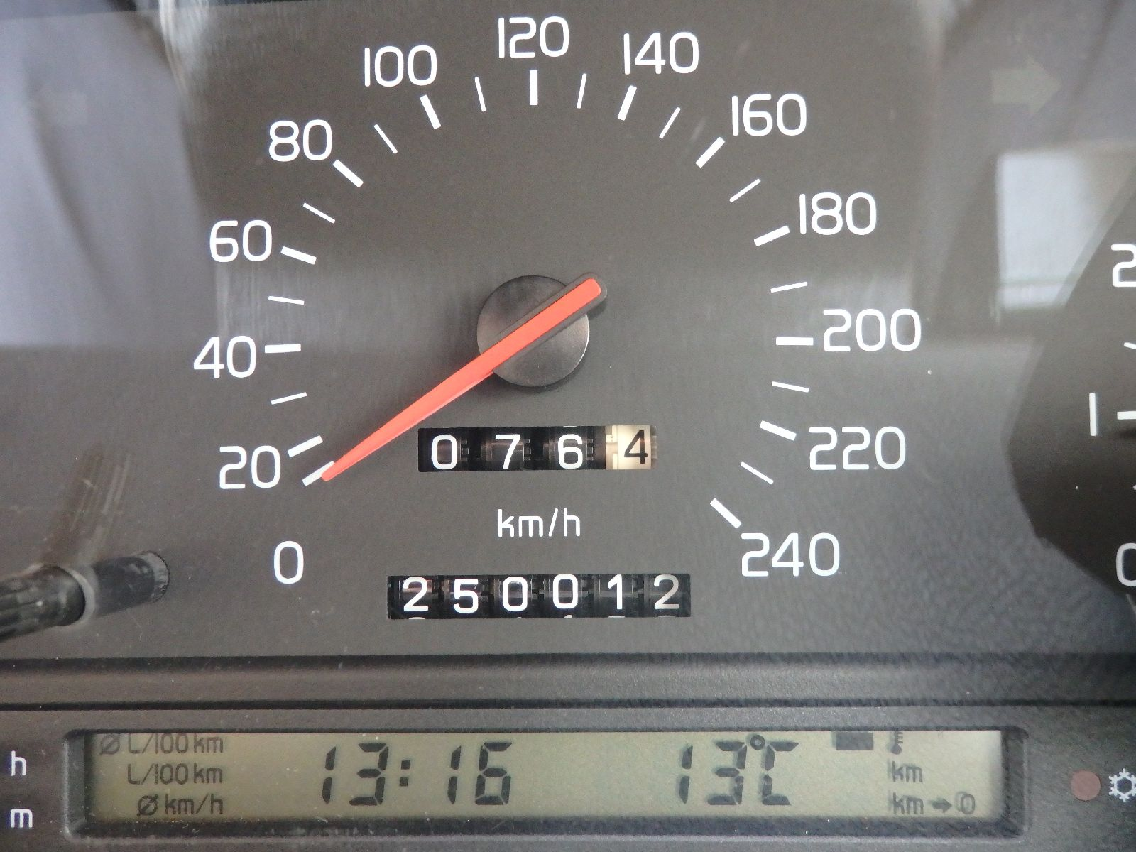 Pb270244